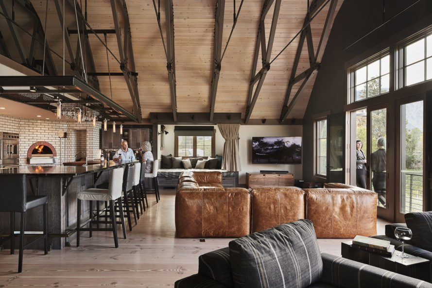 Gorgeous Washington Barn House Marries Rustic Elements
