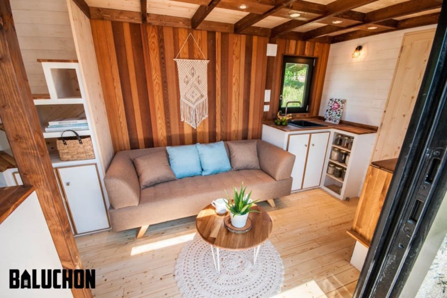 Ostara by Baluchon, Baluchon tiny house builder, France tiny house, Toulouse tiny house, French style tiny house, rustic tiny house, Ostara tiny house, tiny house on horse farm,