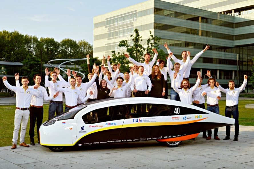 Eindhoven University of Technology, TU/e, solar-powered, car, vehicle, Stella Vie, solar car, clean energy, renewable energy,