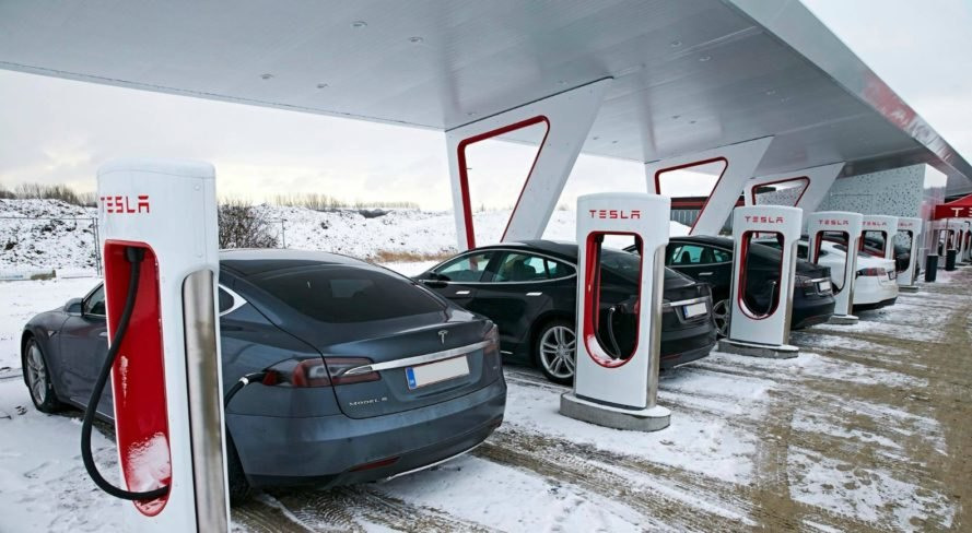 Tesla, Supercharger station, Elon Musk, electric, electric vehicle, electric grid, off grid,