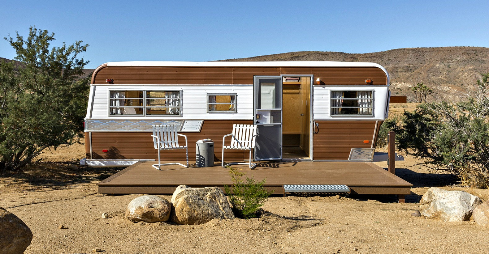 Cool Homestead Retreat With Vintage Trailer Brings Glamping To Mojave Desert
