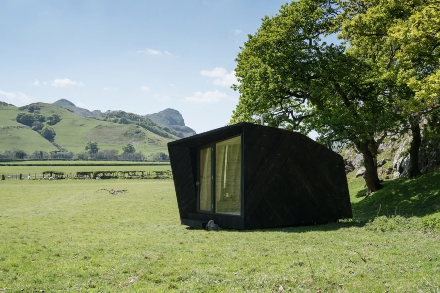 Arthur's cave cabin, Arthur's cave by Miller Kendrick architects, Arthur's cave by Epic Retreats, Arthur's cave in Welsh countryside, Arthur's cave in Wales, sheep wool insulation,