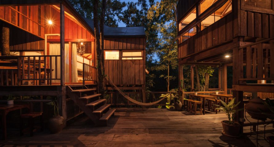 Forest House, Studio Miti, wooden structure, Thailand, wooden walkways, terrace, green architecture, traditional building techniques