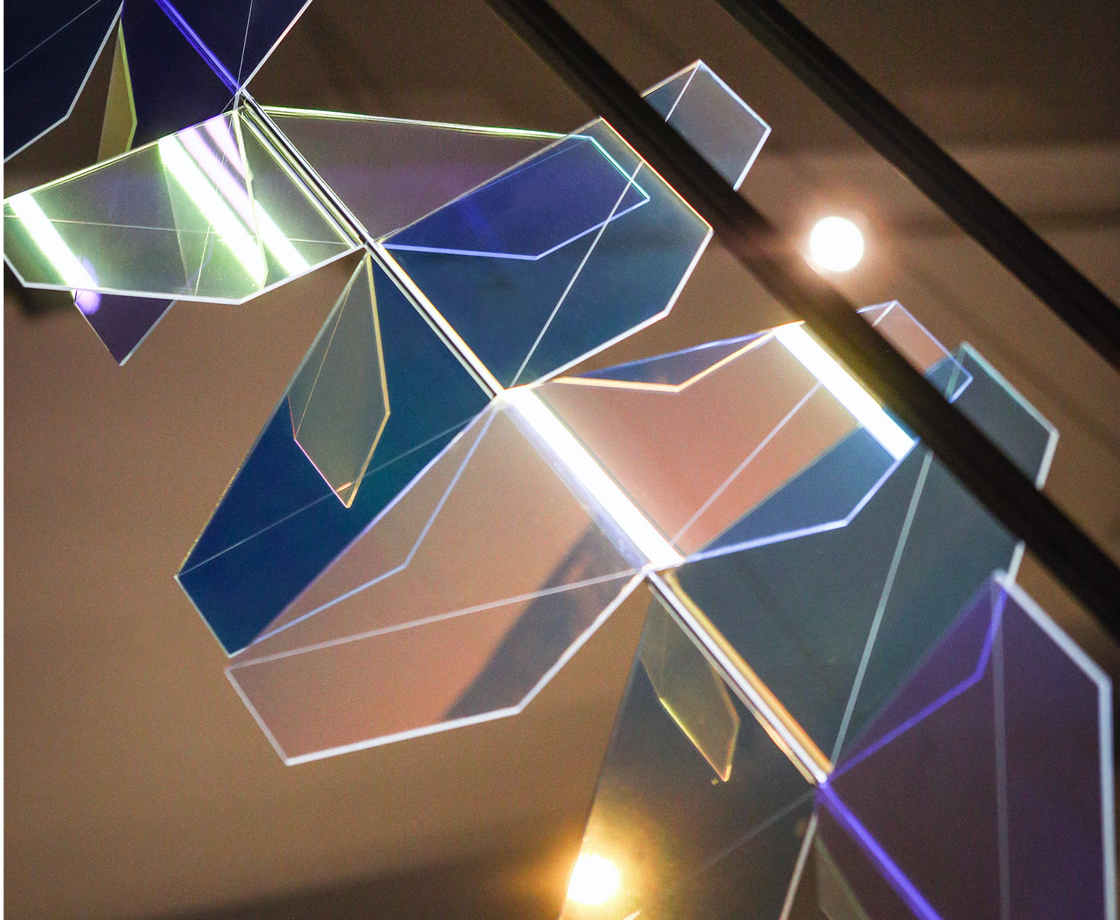 Frederike Top's geometric LED lamps cast colorful rays of ever-changing light