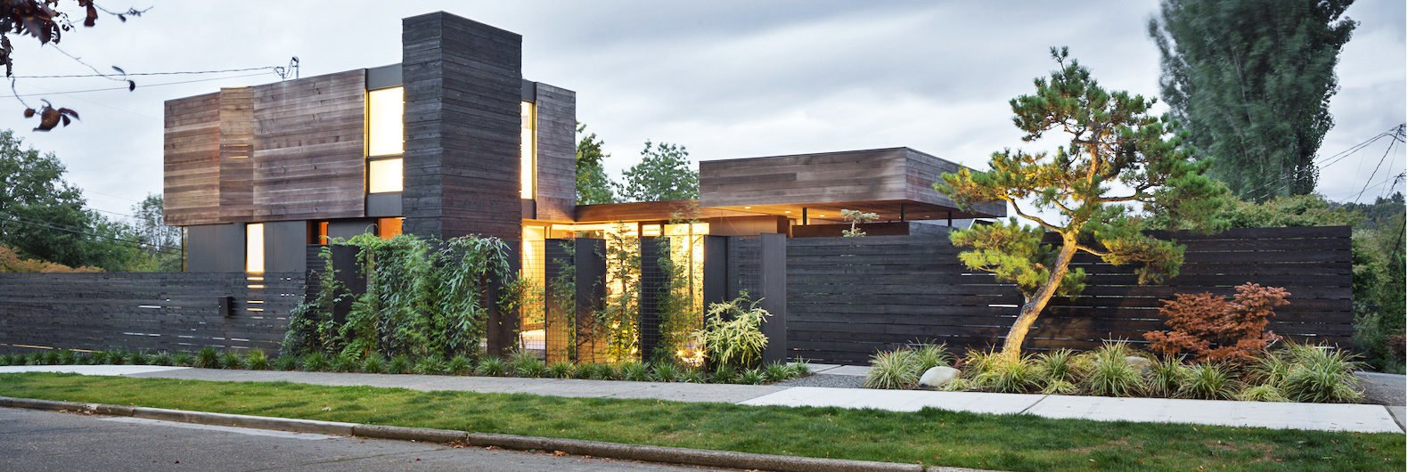 Mw Works Architecture - Light filled timber home is a modern zen haven in seattle