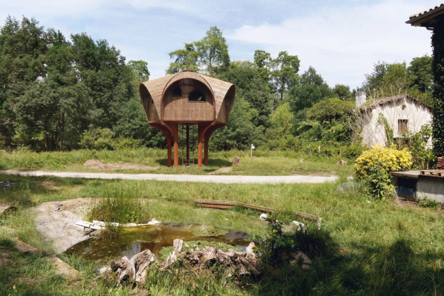 Free off grid shelter pops up for urban explorers in for Shelter studios