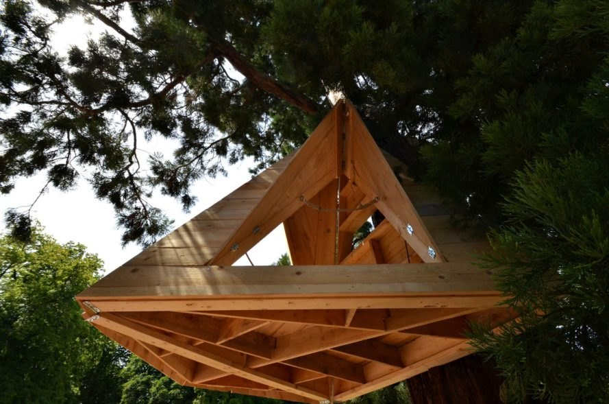 Etablissements Tourneux, shelter design, wooden shelters, treehouse design, treehouse lofts, hanging treehouses,treetop shelters, Sequoia shelter, treehouse design, treehouse shelters, wooden tiny home, tiny home design, spruce wood, wooden homes, wood shelter design, wood building materials,