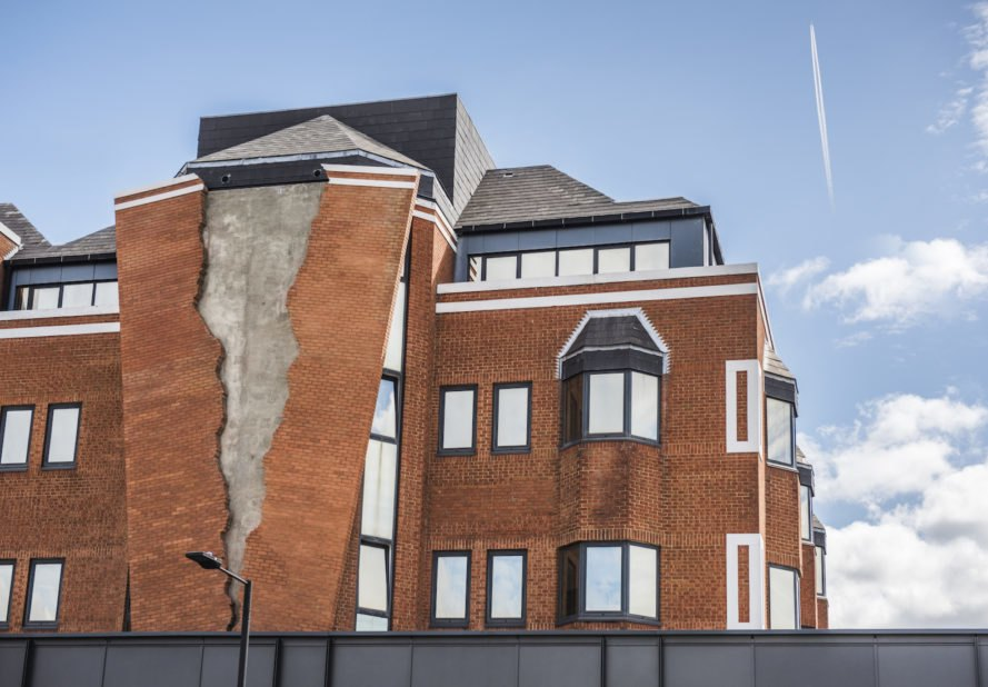 Assembly London artwork, Assembly London Alex Chinneck, Alex Chinneck artwork, Alex Chinneck permanent art, Assembly London crack, Six pins and half a dozen needles, Six pins and half a dozen needles by Alex Chinneck, surrealist sculpture in London