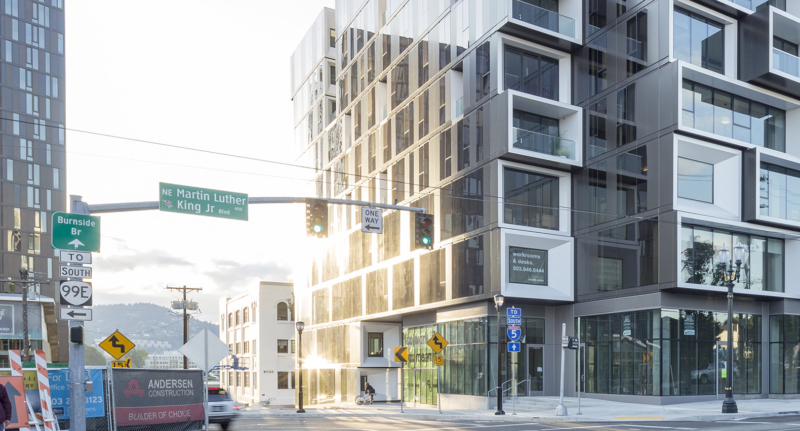 Staggered Volumes Help Make Portland S Slate Building An
