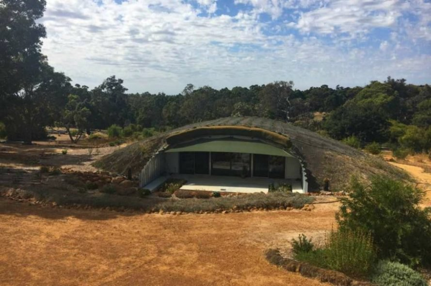 sustainable hobbit home, western australia hobbit home, Quindalup hobbit home, earth-sheltered homes, rammed earth homes, underground homes, sustainable homed, green design, Nigel Kirkwood, hobbit home, underground hobbit homes, sustainable dwellings, diy homes, corrugated steel homes, natural shelters,