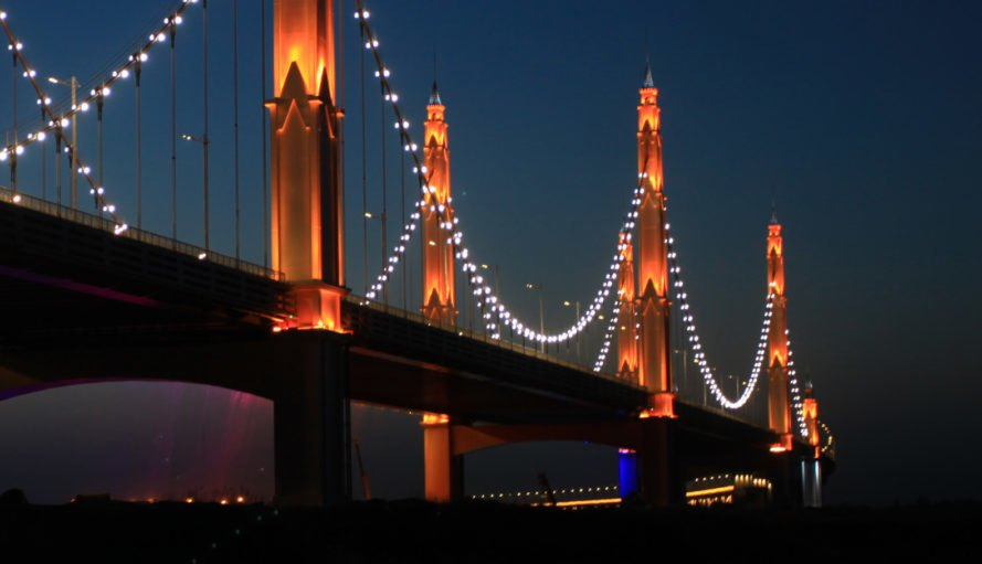Binhe Yellow River Bridge, Philips lighting, LED lights, green lighting, Philips Color Kinetics technology, China