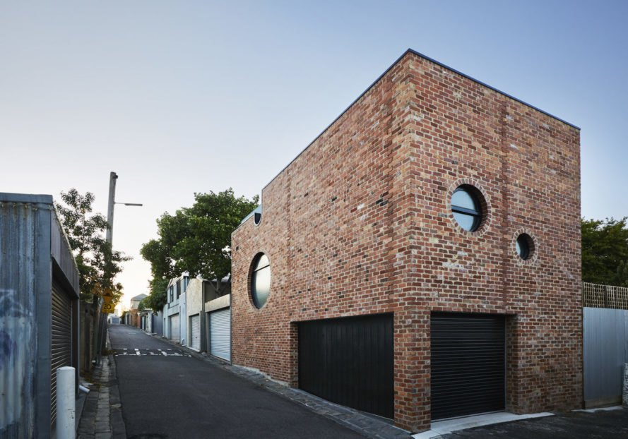 laneway houses in Melbourne, creative laneway house, Brickface in Richmond, Brickface by Austin Maynard Architects, Brickface laneway house, recycled brick architecture, recycled brick house,