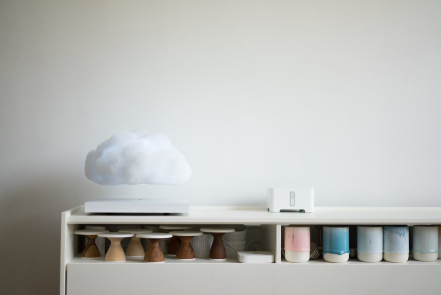 Floating Cloud lamp, Floating Cloud LEDs, Floating Cloud by Richard Clarkson Studio, Floating Cloud by Crealev, Crealev levitating technology, levitating cloud lamp, levitating lamp, floating lamp, cloud lamp,