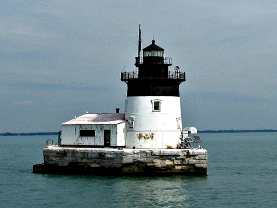 lighthouse, U.S. government, auction, bid, U.S. General Services Administration, Michigan, Maryland