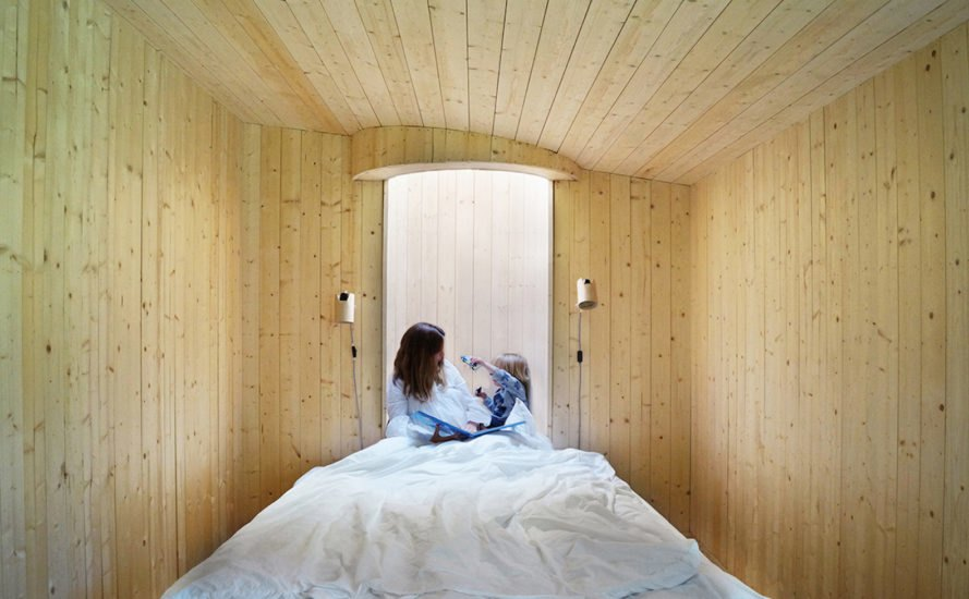 Look Out Lodge by Anders Berensson Architects, Look Out Lodge in Stockholm, prefabricated window designs, Sky Tower in the bedroom, prefabricated timber house extension, Look Out Lodge house extension,
