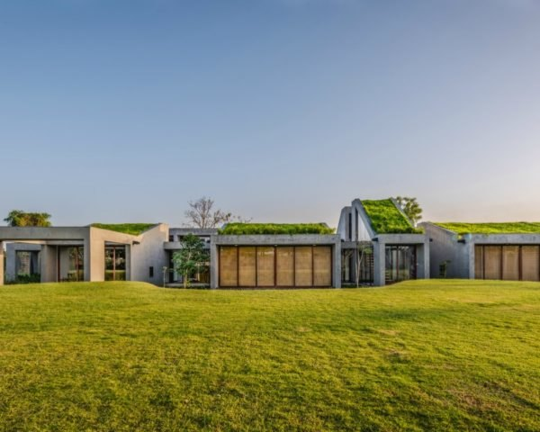 MISA ARCHITECTS, Outhouse, Vansajada, India, bamboo curtains, indian architecture, home design, green home design, green rooftops, homes with green roofs, installing green roofs, concrete homes, brutalist architecture, homes in India, interior design, water collection systems,