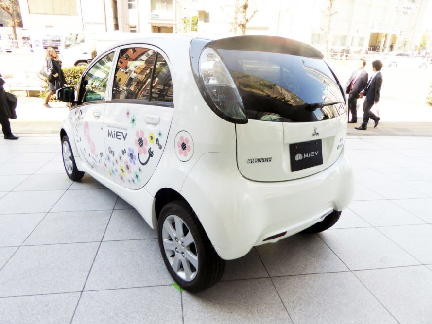 New Lithium Ion Battery From Japan Could Double Electric Vehicle