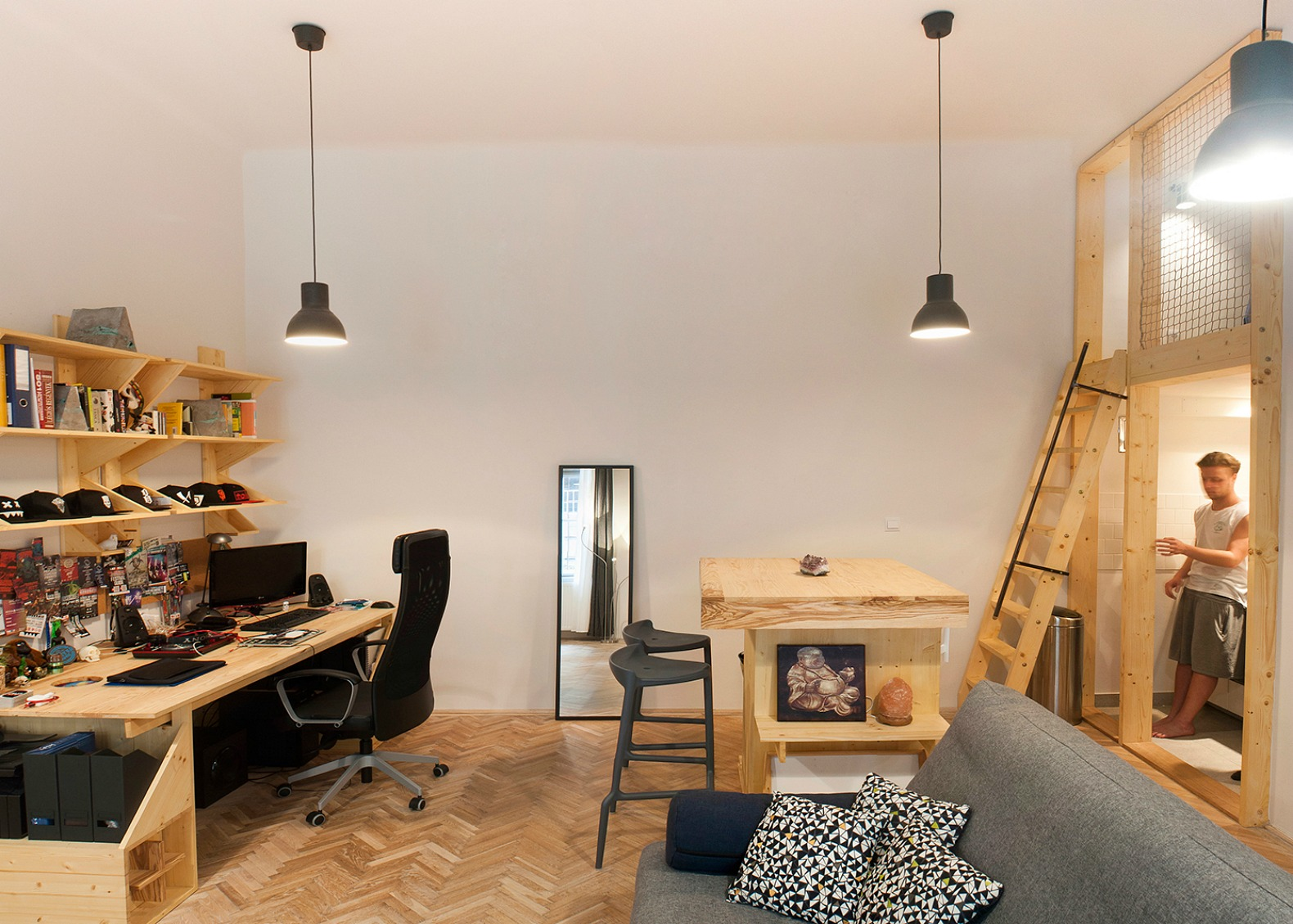 Cool micro studio in Budapest makes the most out of 344 square feet ...