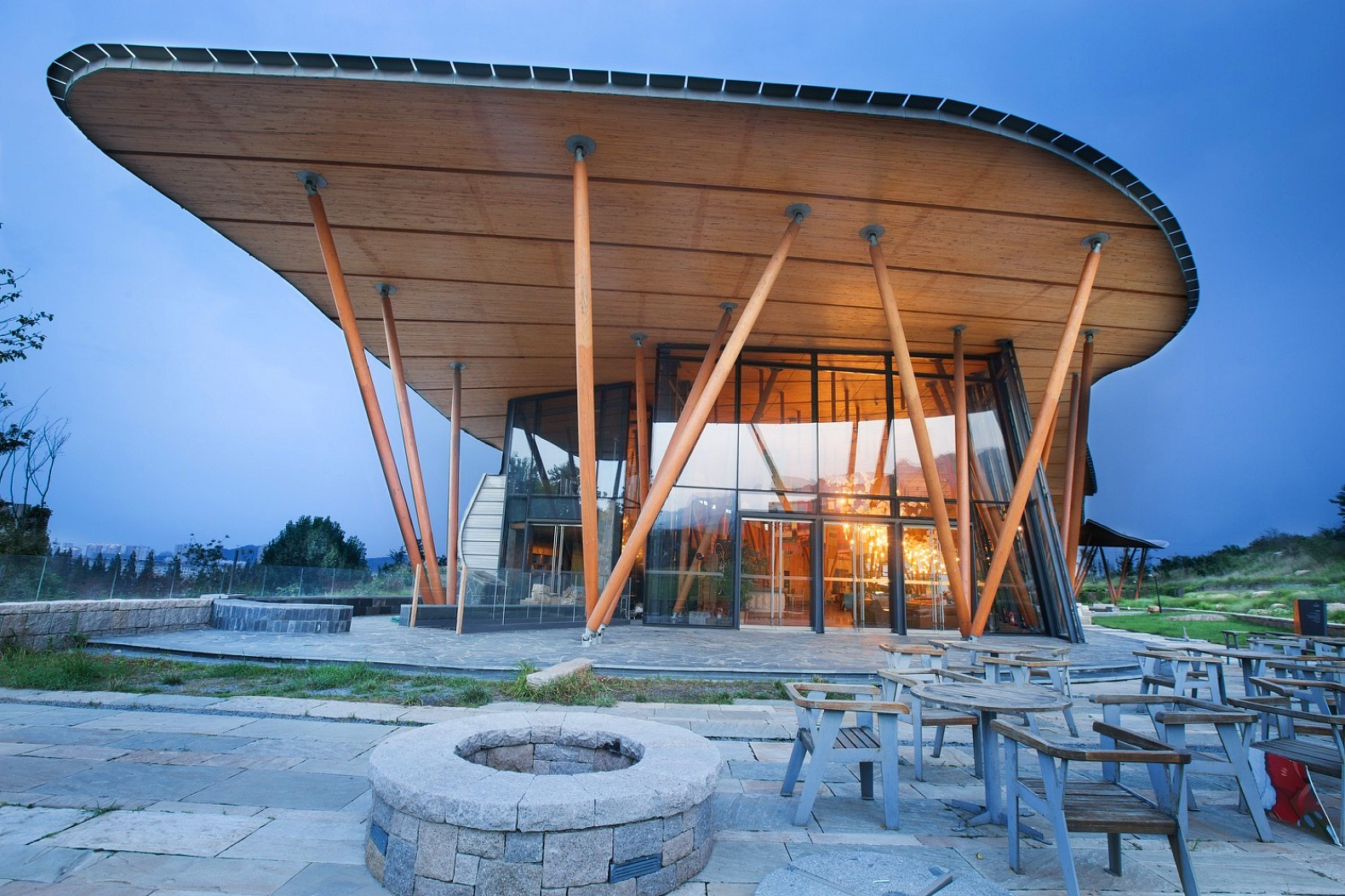 Vance Tsing Tao Pearl Hill Visitor Center Blends Into The