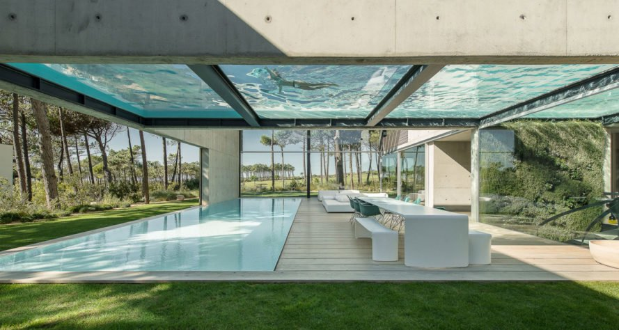 Wall House, Guedes Cruz Arquitectos, swimming pool, green architecture, outdoor living, wood slats, concrete, glass facade, golf course, Portugal