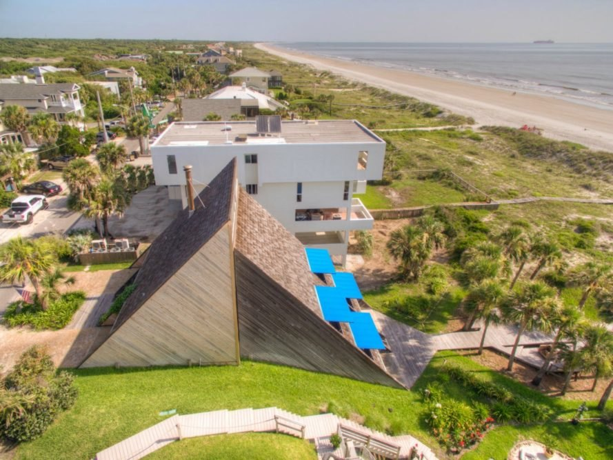 William Morgan, triangular house, architecture, florida architecture, angular home design, unique architecture, geometric home design, Florida Dune House, 1970s architecture, florida homes for sale, morgan house florida, william morgan triangular house, william morgan beach house florida,