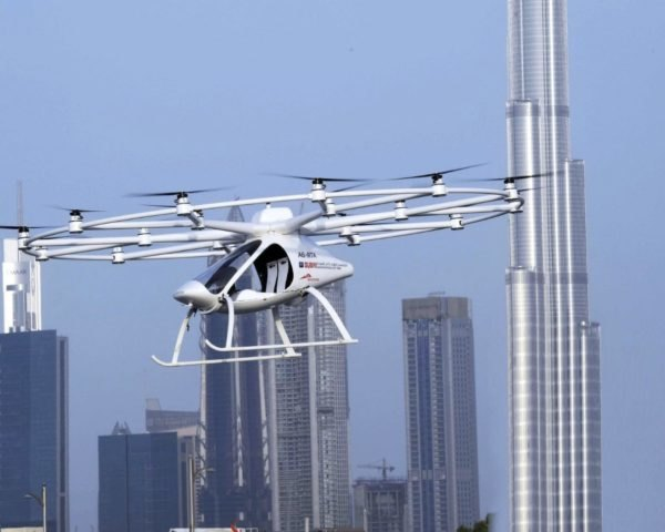 flying taxi, Dubai, United Arab Emirates, Crown Prince Sheikh Hamdan bin Mohammed, Autonomous Air Taxi (AAT), green technology, green transportation, innovation,