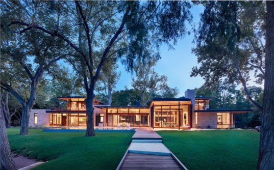 Geothermal Powered Lake Austin Home Is Tuned In To Nature