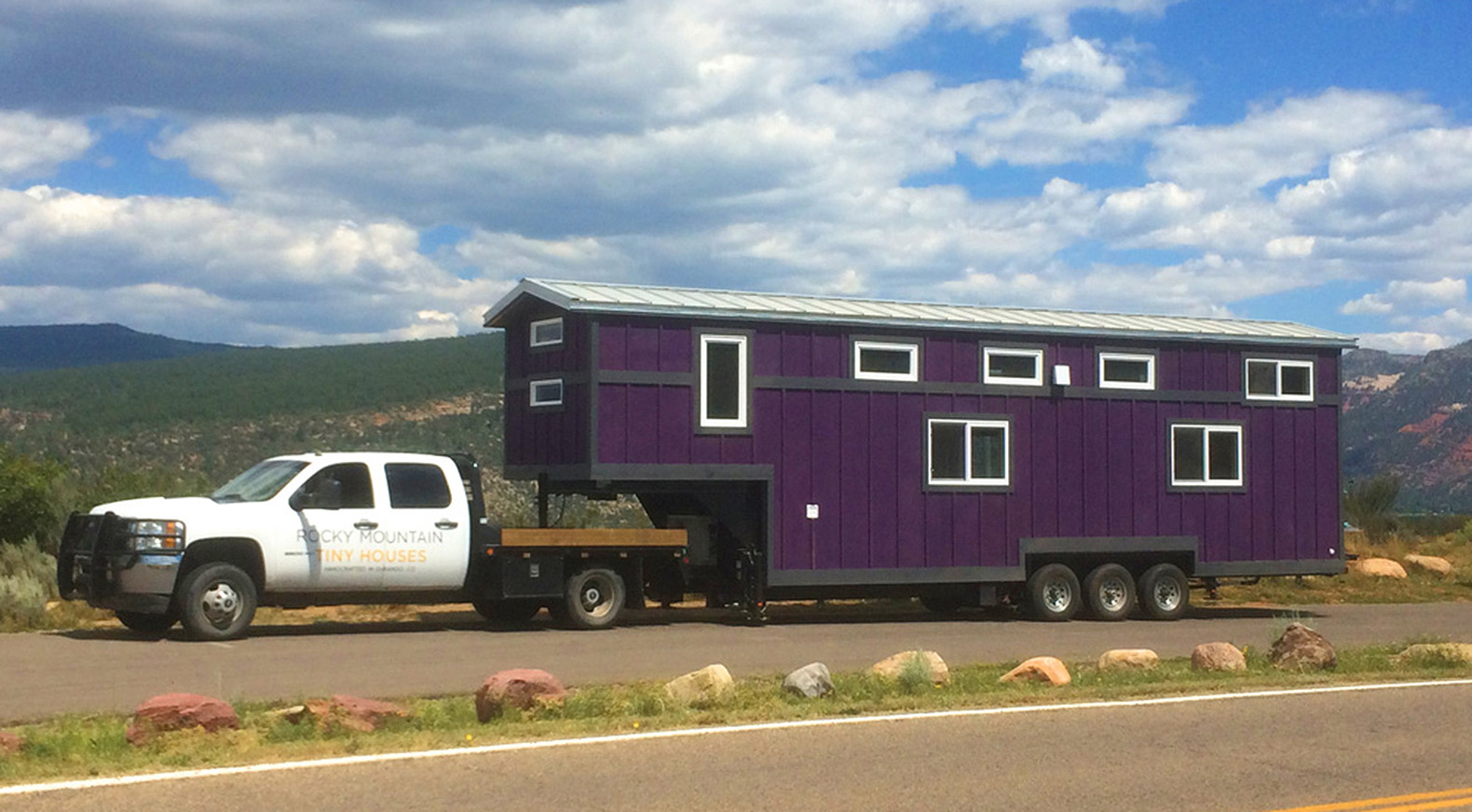 trailers for tiny houses. This Huge \u0027tiny House\u0027 On Wheels Can Fit A Family Of Five! Trailers For Tiny Houses