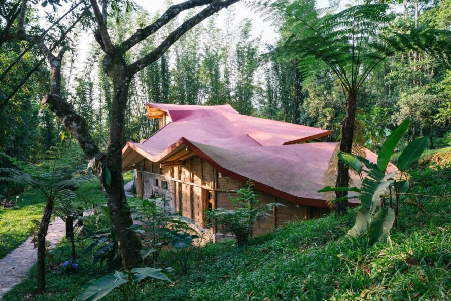 Proyecto Cafeína, Tosepankali Hostel, eco hostel, eco hotels, eco hostel mexico, eco hostel tosepankali, hotel design, off grid hostels, off grid mexico lodgings, bamboo buildings, Bahareque, bamboo materials, bamboo buildings, locally-sourced materials, Nahuatl community mexico,