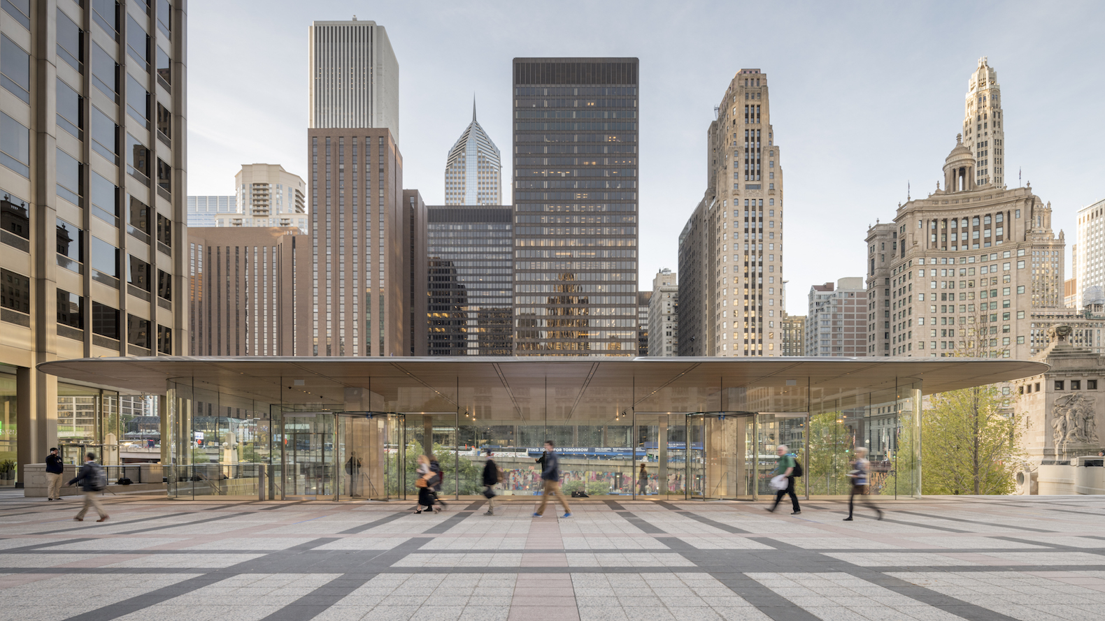 Ultra-thin Macbook-shaped roof tops new Apple Store in Chicago