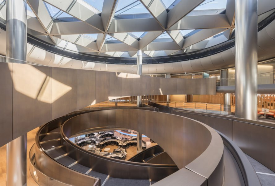 Bloomberg London HQ by Foster + Partners, London Bloomberg office, BREEAM Outstanding architecture, BREEAM Outstanding offices, sandstone and bronze architecture, sustainable office design, world's most sustainable office