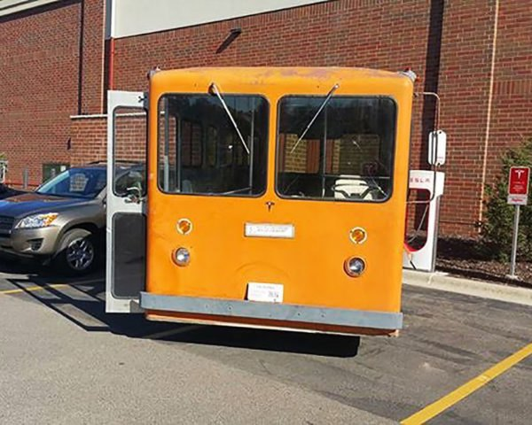 Tesla, bus, buses, orange bus, orange buses, electric bus, electric buses, electric vehicle, electric vehicles, electric, Supercharger, Superchargers, Supercharger network, Minnesota, Ingineerix, Hoppy Trolley