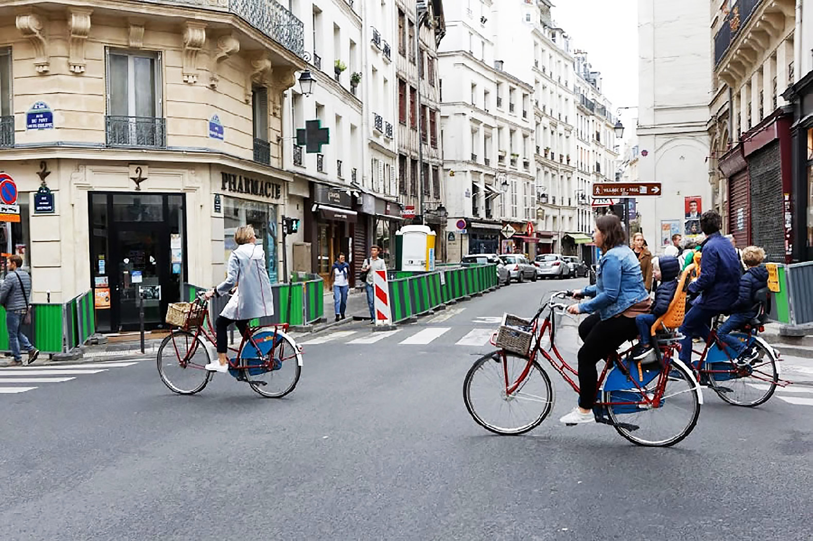 Paris banned all cars for a day to highlight pollution issues