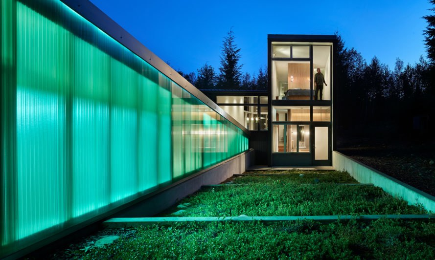 Bear Run Cabin, David Coleman Architecture, cabin in the Cascade Mountains, glass facade, Washington DC, polycarbonate, green architecture, loft, glass walls, shelter