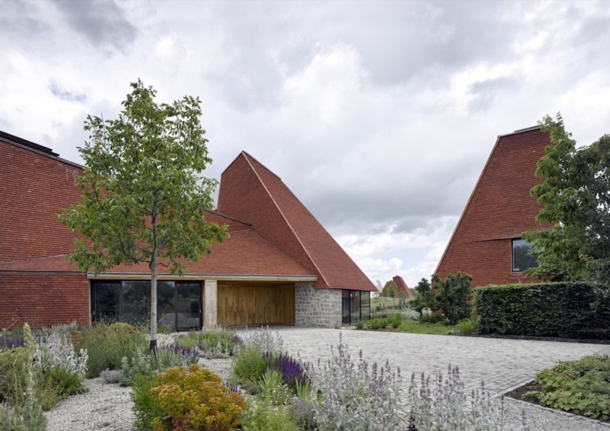 Caring Wood by James Macdonald Wright and Niall Maxwell, sustainable Kent architecture, Caring Wood RIBA, RIBA House of the Year 2017, contemporary Kent architecture, contemporary English country house, multigenerational housing UK