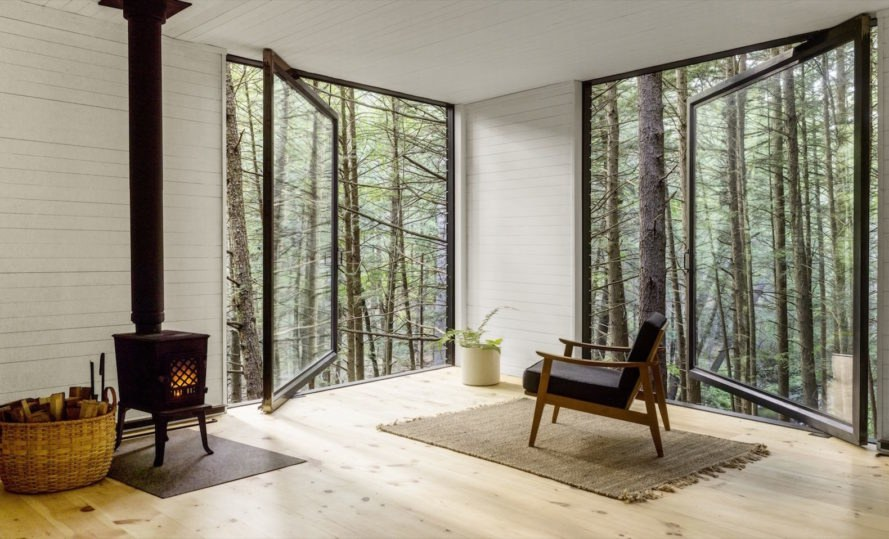 This cozy off-grid cabin shows beauty on a budget in upstate