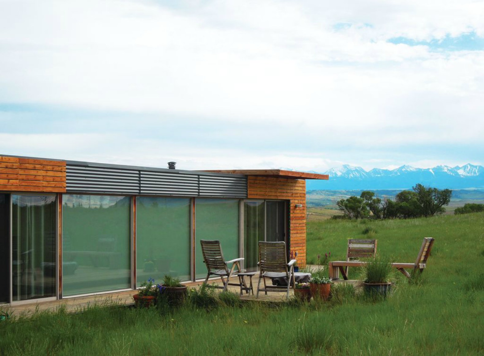 Tiny Home Designs: Stunning Shipping Container Home With All-glass Wall Can