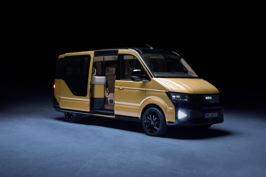 Moia, Volkswagen, Germany, rideshare, ridesharing, electric vehicle, electric minibus