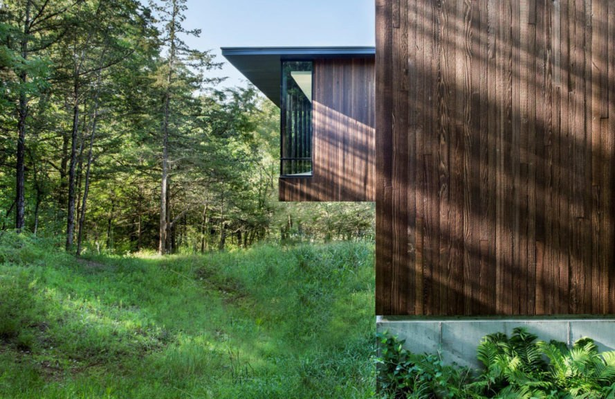 Ravine Residence, BNIM, Iowa, cedar cladding, natural ventilation, geothermal heating and cooling, floor-to-ceiling glass, green architecture, forest home