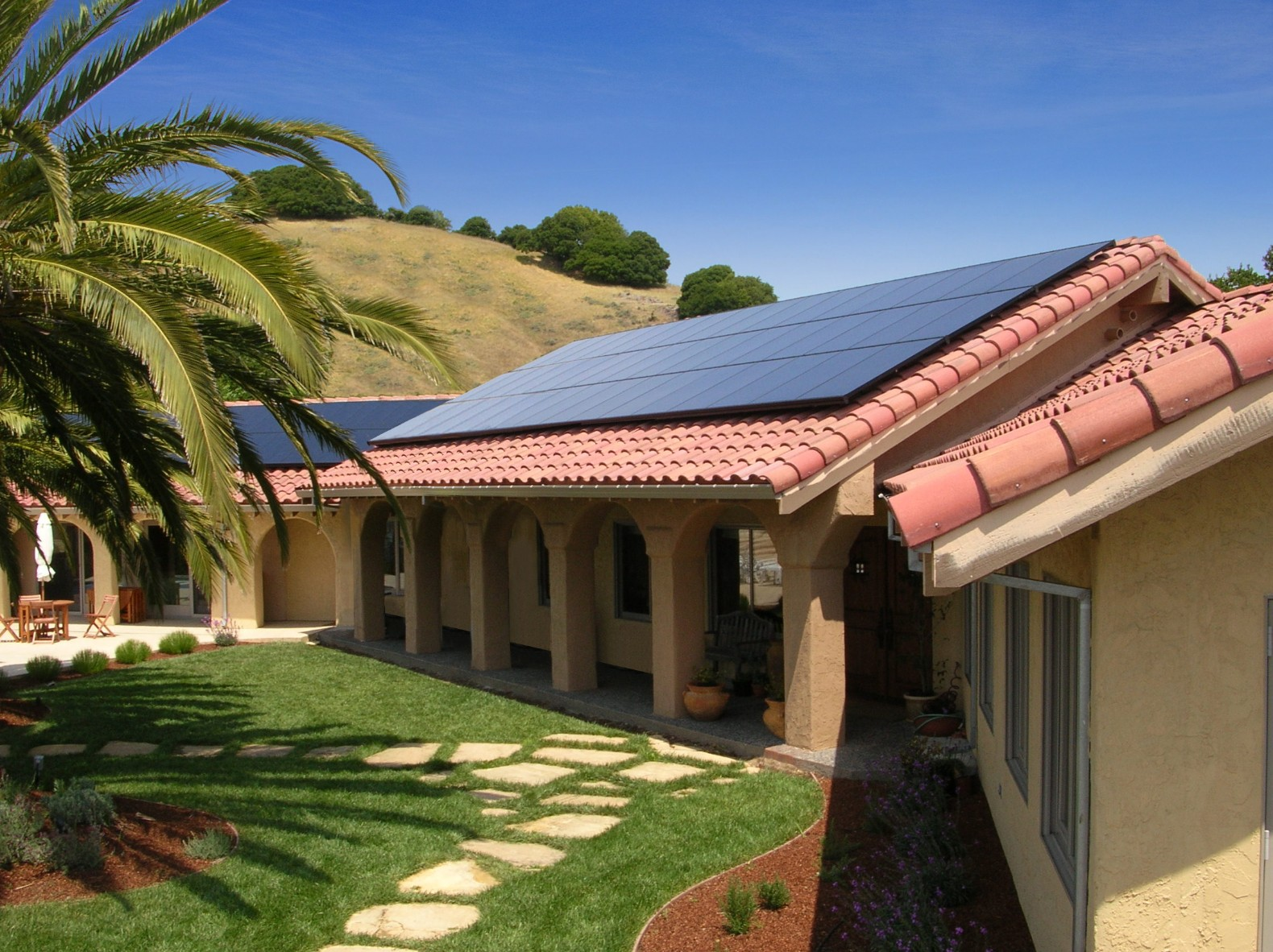 SunPower's new solar shingles are 15% more efficient than conventional photovoltaics