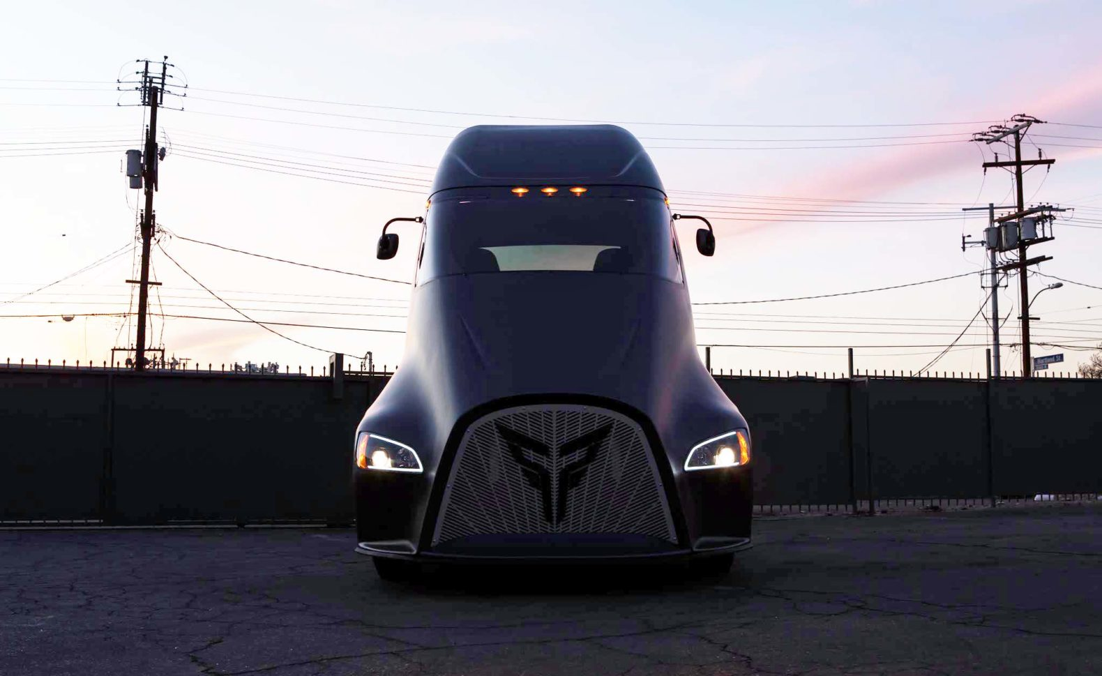 Tesla's all-electric Semi Truck has a new competitor from