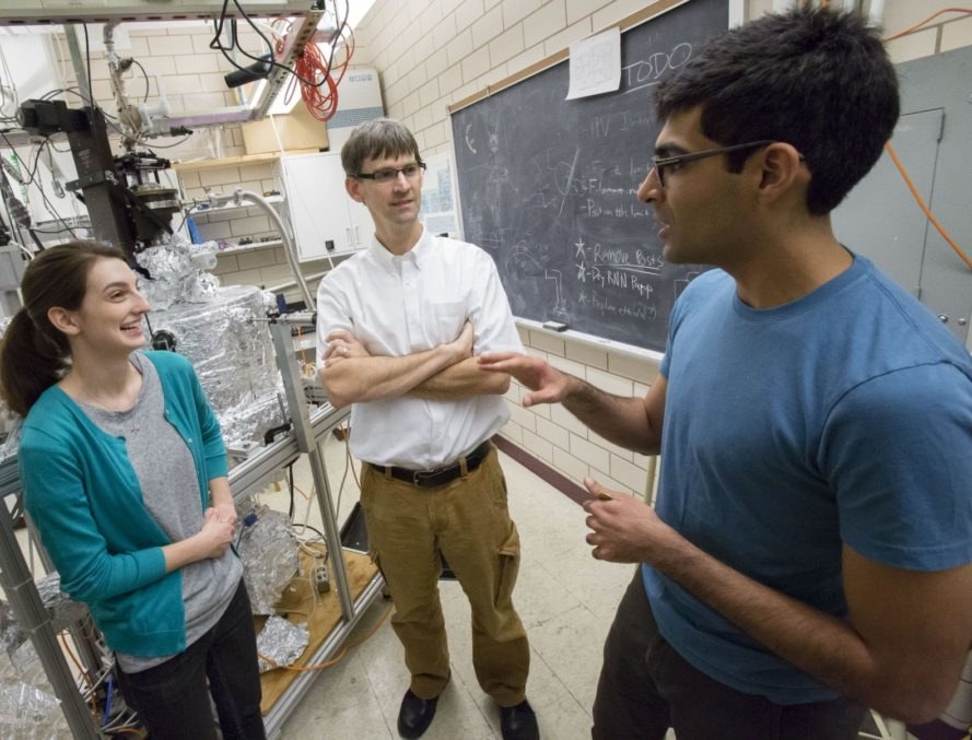 physicists University of Illinois, researchers University of Illinois, scientists University of Illinois,