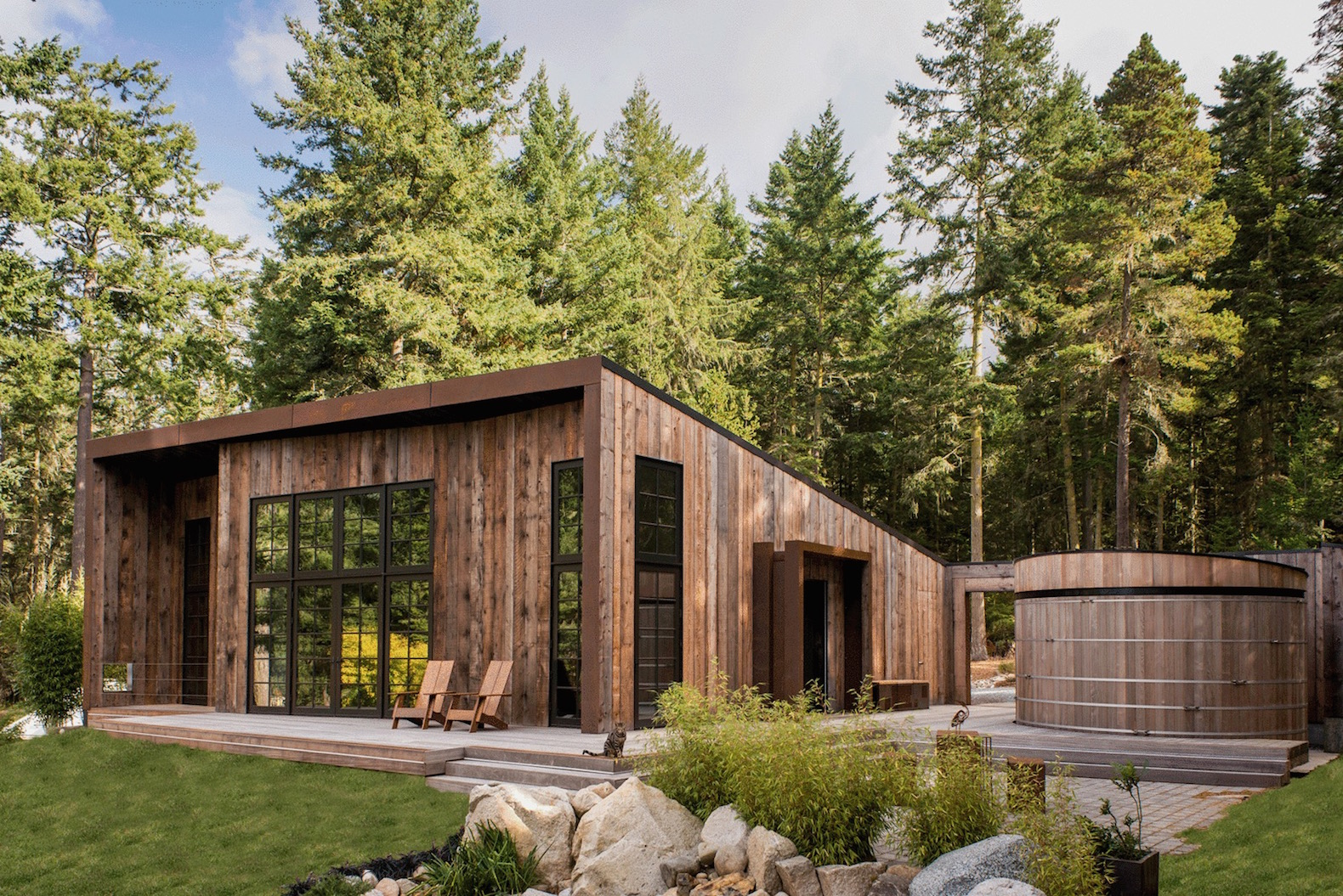 Dreamy cabin harvests rainwater and natural light for a minimal carbon footprint
