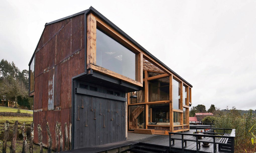Chile S Rustic Casa Pollo Is Made From Recycled Zinc