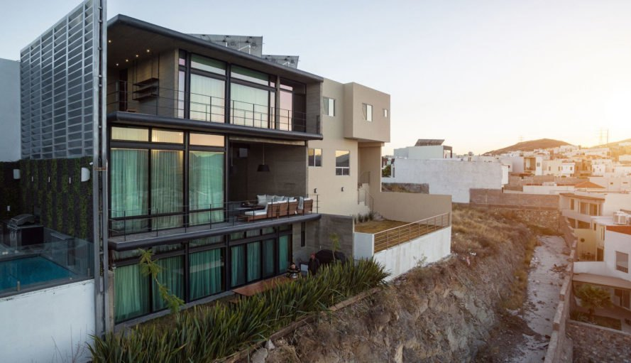 Cima House by Garza Iga Arquitectos, sustainable Chihuahua architecture, eco-friendly Chihuahua architecture, Cima House Chihuahua, solar-powered house in Mexico, contemporary concrete architecture,