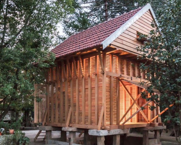 Tiago do Vale Arquitectos, Dovecote-Granary, green renovation, Portugal, rural architecture, wooden structure, treehouse