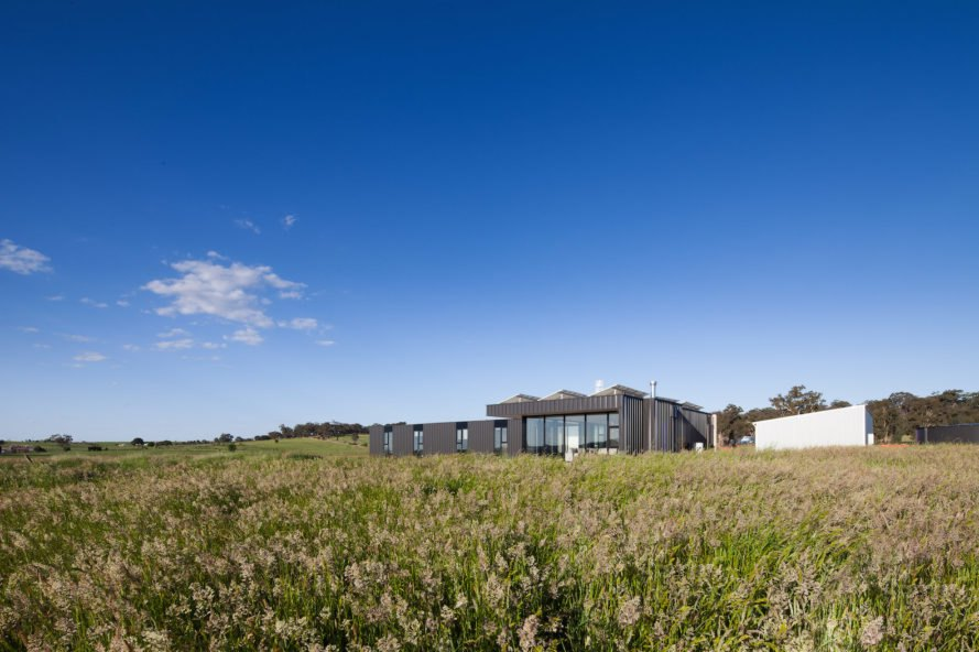 Franklinford Victoria, Franklinford residence, Franklinford by Modscape, Colorbond clad architecture, SIPs modular construction, Australian off grid housing, off grid architecture in Victoria, off grid family housing, off grid family retreat