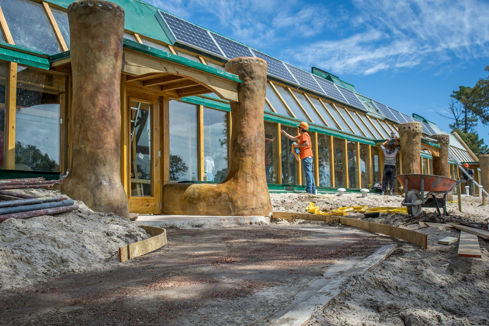 Michael Reynolds, earthship academy, earthship passive solar houses, a  sustainable school program,