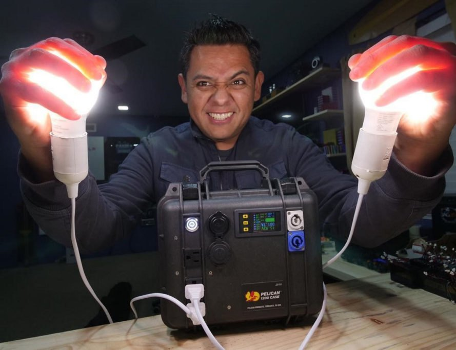 Jehu Garcia, DIY solar generator, solar generator, electricity, light, light bulbs, do it yourself