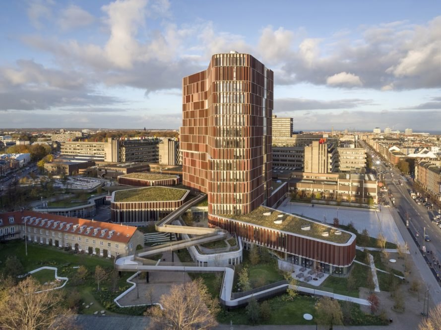 Maersk Tower by CF Moller Architects, Maersk Tower by CF Moller, Maersk Tower Copenhagen, Maersk Tower, Maersk Tower Panum, energy efficient laboratories, sustainable labs, copper facade,